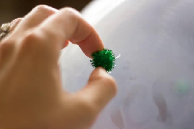 маленький зеленый помпончик